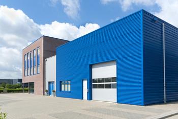 Hier ist ein Industriegebäude abgebildet.